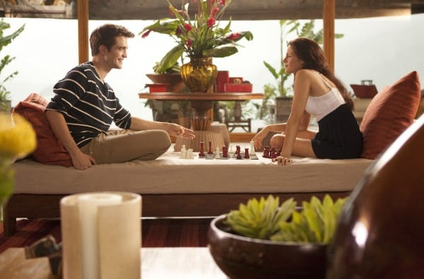 the-twilight-saga-breaking-dawn-part-1-movie-image-kristen-stewart-robert-pattinson-04-600x395