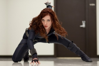 iron-man-2-movie-image-scarlett-johansson-600x399_0