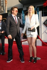 iron-man-2-world-premiere-hollywood-10-399x600