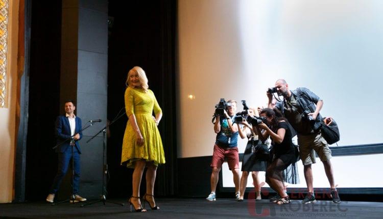 Červený koberec – filmy, kino, zábava, foto: www.cervenykoberec.cz