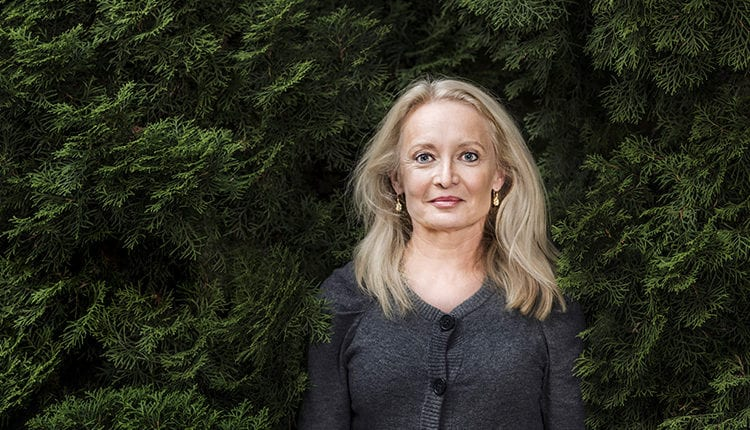Karin Bojs (Zdroj: https://www.cervenykoberec.cz/127726/festival-tydny-svedske-literatury-zahaji-beseda-s-vedeckou-novinarkou-karin-bojs/)